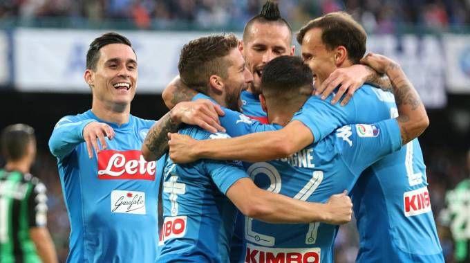 L'esultanza dei giocatori del Napoli (Ansa)