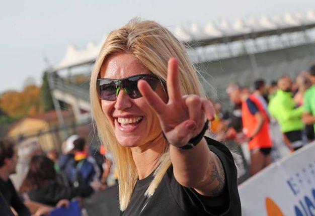L'ex velina Marina Graziani madrina e runner della Mezza Maratona d'Italia a Imola (foto Isolapress)