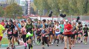 Tre le distanze previste: la mezza maratona competitiva e due distanze non competitive aperte a tutti  (foto Isolapress)