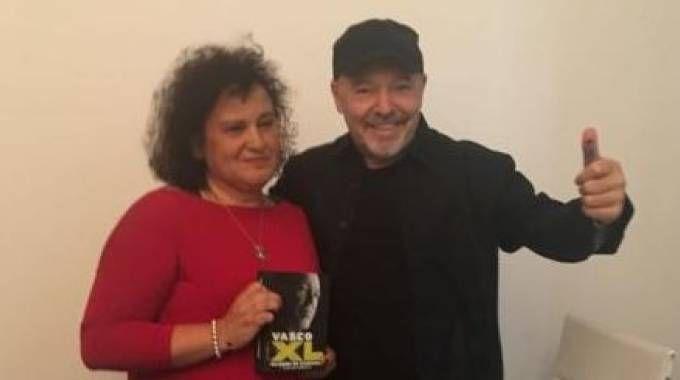 Vasco Rossi con Teresa Salerno, 50 anni, malata di cancro
