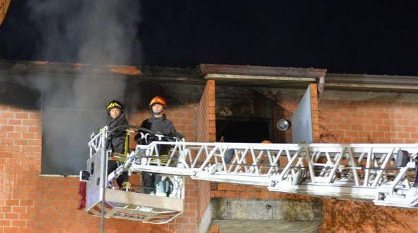 I vigili del fuoco sul posto (foto Frasca)