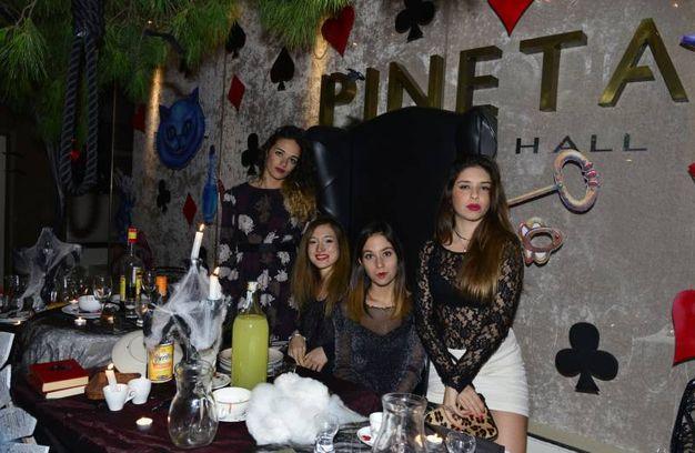 La festa di chiusura del Pineta nella notte di Halloween (foto Carlo Morgagni)