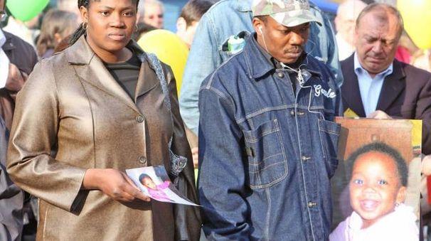I genitori di Rachel Odiase in marcia per chiedere la verità