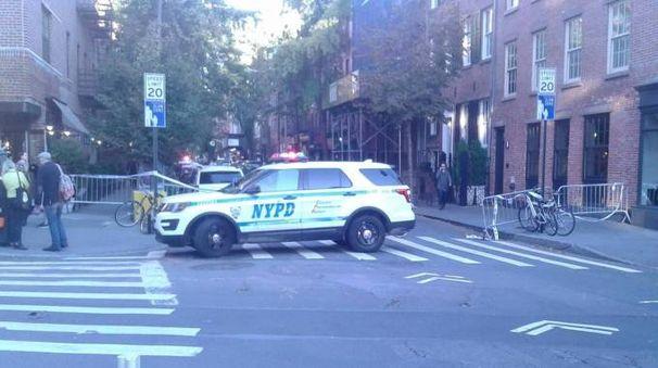 Strade bloccate dalla polizia nella foto scattata ieri dall'avvocato a New York