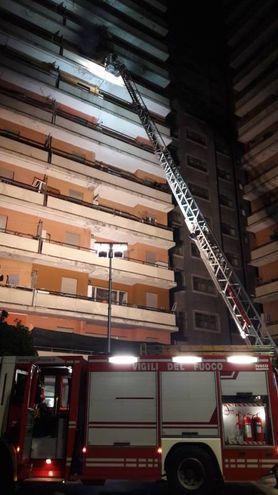 Incendio nella notte all'Hotel House di Porto Recanati