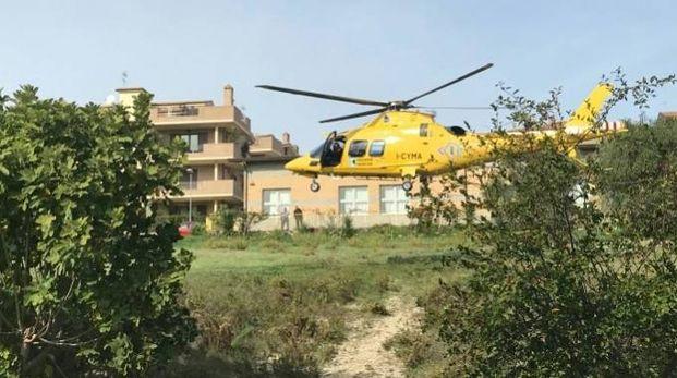 L'elicottero del soccorso (foto Zeppilli)