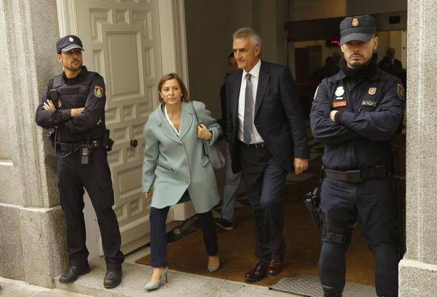 Carme Forcadell, presidente del Parlament catalano,esce all'Alta Corte a Madrid (Ansa)