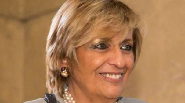 Prefetto Carla Cincarilli è nata a Roma il 31 maggio 1952