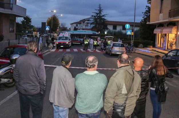 Tragedia, pedone muore schiacciato sotto un autobus / FOTO - Cronaca ...