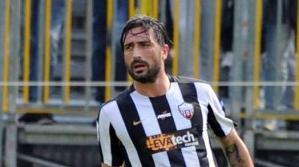 Il difensore Andrea Mengoni si prepara al rientro da titolare con la fascia di capitano