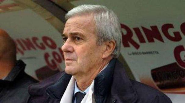 L'ex tecnico Luigi Simoni