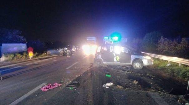 Il luogo del violento scontro fra due auto (foto Zeppilli)
