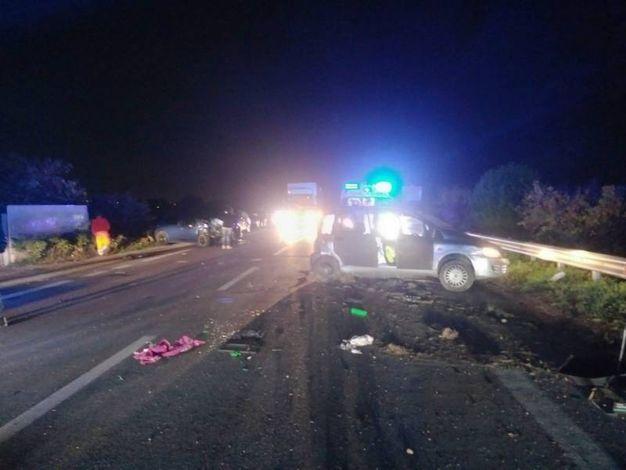Lo scontro è avvenuto lungo la statale Adriatica a Casabianca di Fermo (foto Zeppilli)