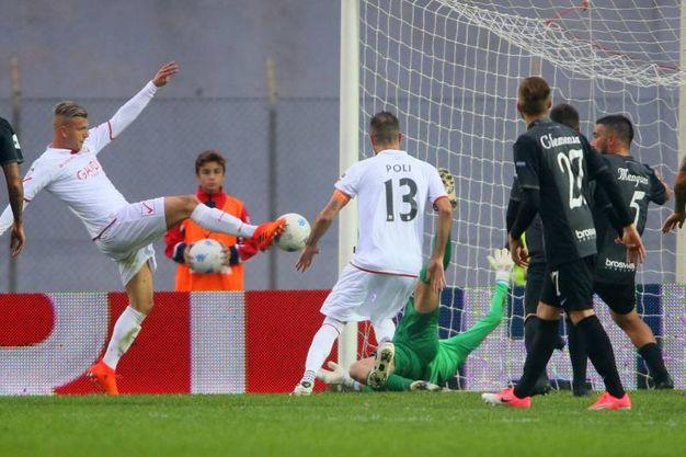 Il terzo gol di Malcore (foto LaPresse)