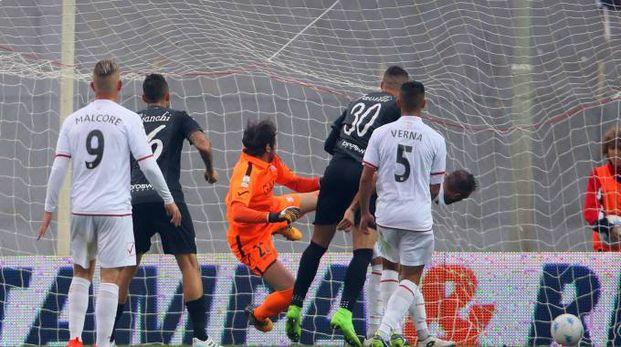 Il gol di Favilli (foto Lapresse)