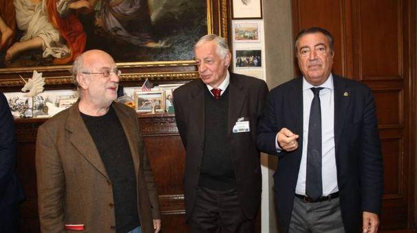 Da sinistra, Pallanti, Ceccuti e il direttore de La Nazione Francesco Carrassi