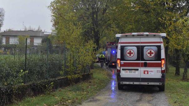 L'arrivo di soccorsi e forze dell'ordine a Filago (La Presse)