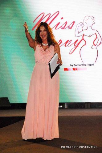 Al concorso di bellezza Miss Curvyssima (foto Valerio Costantini)