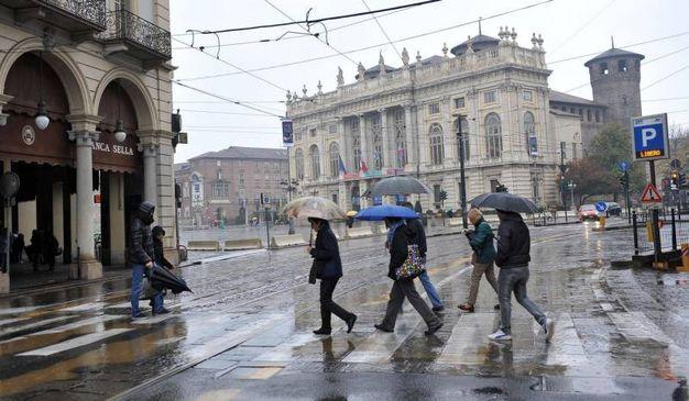 Pioggia a Torino (Ansa)
