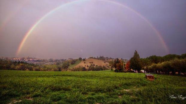Macerata sotto l'arcobaleno (foto Matteo Mazzoni)