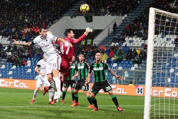 Il gol di Alessio Romagnoli per il Milan (Ansa)