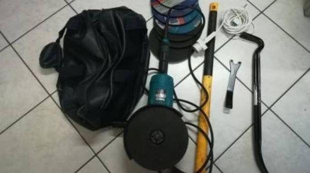 Gli oggetti trovati in auto