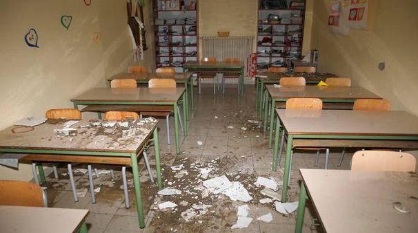 Il crollo del controsoffitto alla scuola Bartali