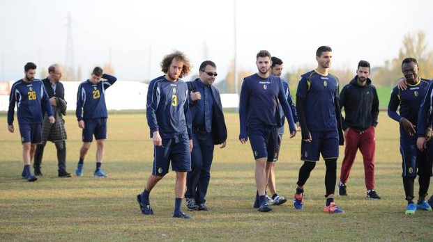 I giocatori del Modena calcio dopo un allenamento (foto Fiocchi)