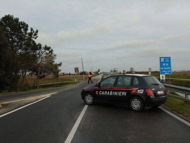 I rilievi dell'incidente sono dei carabinieri (foto Braghin)