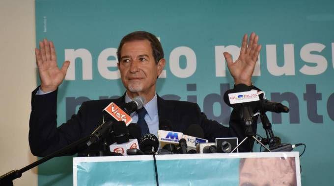 Nello Musumeci nella sede del suo comitato elettorale a Catania (Ansa)