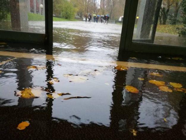 L'Itis Baldini è allagato a causa della forte pioggia