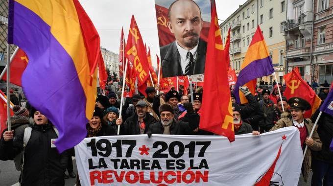Manifestazione per i 100 anni della Rivoluzione d'ottobre a Mosca (Afp)
