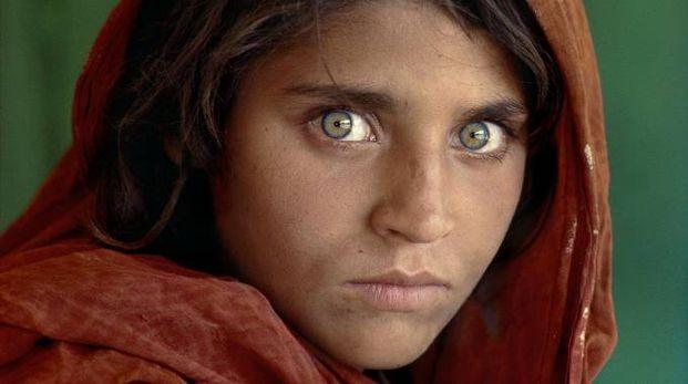 Sharbat Ghula, la ragazzina di 13 anni fotografata da McCurry in Afghanistan