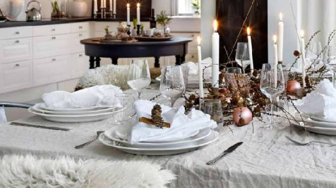 Natale in bianco con acenti scandinavi