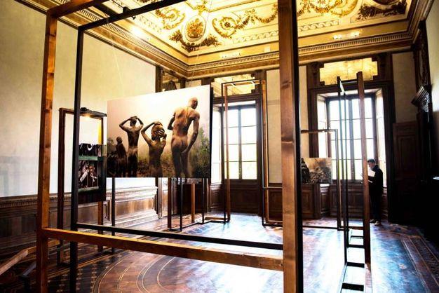 Lo scenografico allestimento nell'ambiente maestoso della Villa Reale