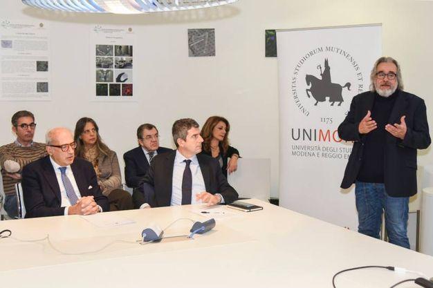 Il professor Michele De Luca con l'équipe (foto Fiocchi)