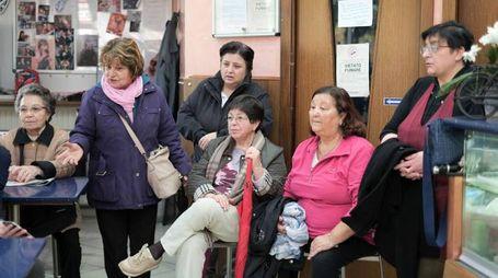 I residenti del rione sottolineano la difficoltà per anziani e disabili