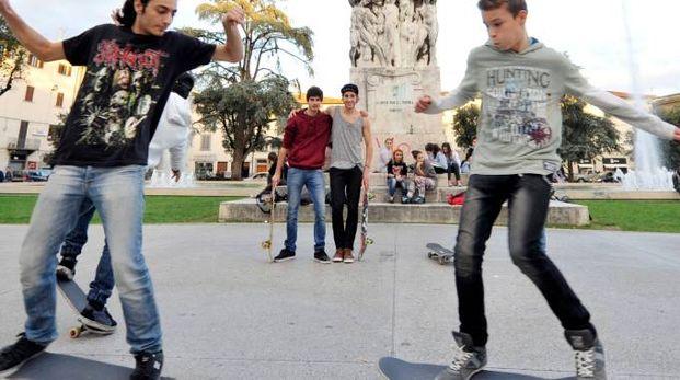 I giovani «skaters» empolesi in piazza della Vittoria (Germogli)