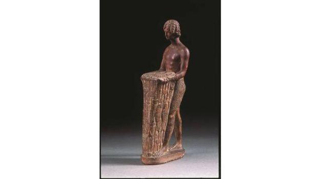 Arte tolemaica - Statuetta di offerente