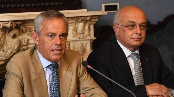 IDEA Da sinistra, Giancarlo Tonelli direttore di Ascom e Daniele Ravaglia, direttore di Emil Banca