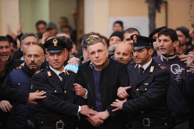 L'arresto del superlatitante della camorra Michele Zagaria, il 7 dicembre 2011 (Ansa)