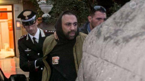 Ostia, Roberto Spada fermato dal carabinieri (Ansa)