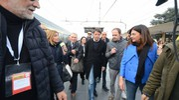 Timida accoglienza per Renzi (foto Donzelli)