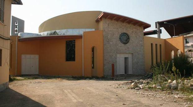 L'ingresso della nuova chiesa