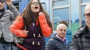 Una contestatrice (foto Petrangeli)