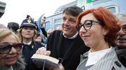 Si firmano autografi (foto Petrangeli)
