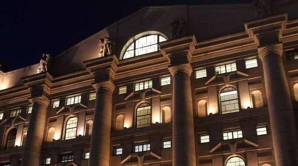 Borsa Milano chiude in calo con Leonardo