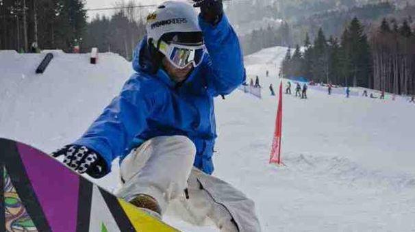 Evoluzioni rinviate per i tanti appassionati che speravano di sciare già da oggi. Adesso si aspetta altra neve lunedì