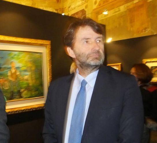 Franceschini visita la mostra (foto Lecci)