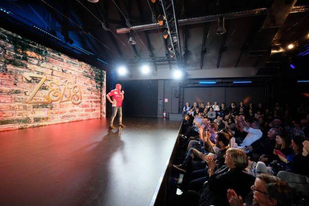 Marco Della Noce torna sul palco di Zelig nei panni del mitico capomeccanico Ferrari